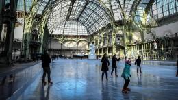 Weltweit größte Eishalle öffnet die Türen