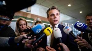 Minister tritt wegen Bericht zu Flüchtlingskriminalität ab