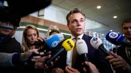 Minister wegen Bericht zu Flüchtlingskriminalität ab
