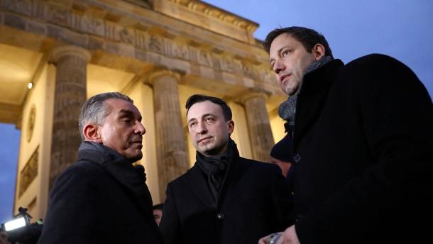 Klingbeil fordert Beobachtung der AfD durch Verfassungsschutz