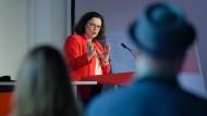 Die SPD-Chefin bei ihrer Rede in Erfurt am Samstag