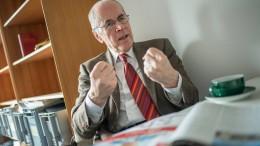 """""""Rechtsextreme werden im Internet bestärkt"""""""