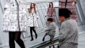 Komikerin reiht sich auf Chanel-Catwalk ein