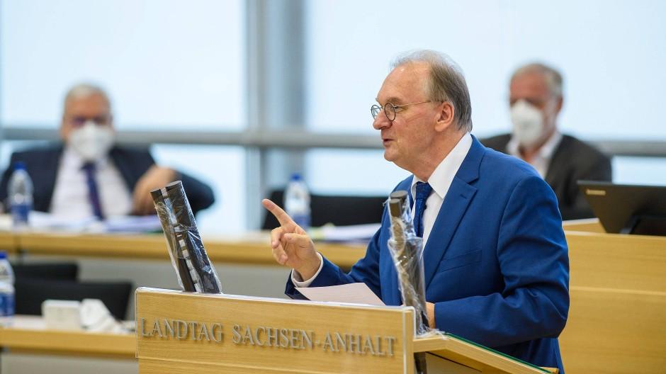 Immer wieder Ärger mit der eigenen Landtagsfraktion: Reiner Haseloff im Landtag von Sachsen-Anhalt in Magdeburg