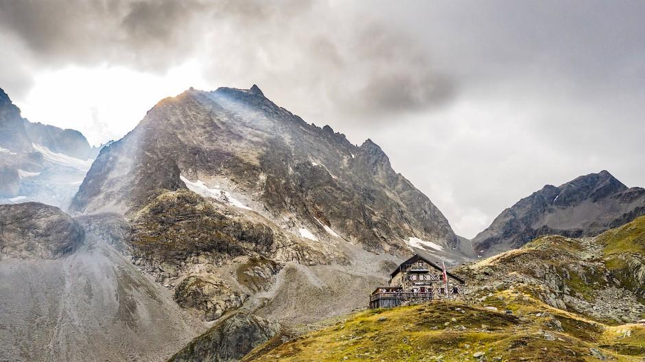 Auch bei Feinschmeckern beliebt: die Darmstädter Hütte südlich von St. Anton