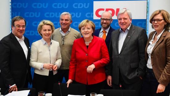 Merkel-Vertraute bestätigen neue Kanzlerkandidatur