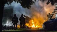 Feuerwehrmänner an der Absturzstelle in Riverside, Kalifornien