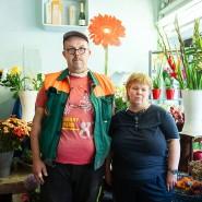 """""""Das war ein Schock"""": Hans Joachim und Bianca Knapp in ihrem kleinen Blumenladen an der Berger Straße"""