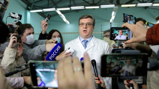 Ehemaliger Nawalnyj-Chefarzt wieder aufgetaucht