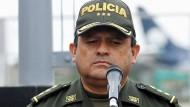Seitdem eine kolumbianische Spezialeinheit gezielt einflussreiche Verbrecher großer Kartelle jagt, kann Polizeichef Jorge Nieto – wie hier im Mai – immer wieder Erfolgsmeldungen an die Presse weitergeben.