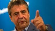 Außenminister Gabriel zeigt sich besorgt