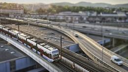 Wiener U-Bahn verteilt Deos an Fahrgäste