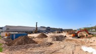Großbaustelle: Das alte Parkdeck am Hessen-Center wurde abgerissen, das neue soll bis 2020 fertig sein.