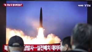 Nordkorea feuert wiederholt Kurzstreckenraketen