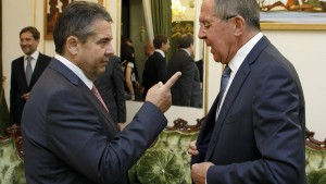 Gabriel und Lawrow streiten öffentlich über Assad