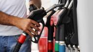 Der Ölpreisverfall entzweit die Welt