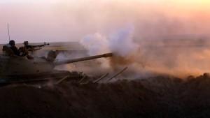 Immer mehr Länder liefern Waffen an Kurden