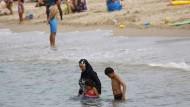 Eine solche Erfrischung wird am Strand von Cannes teuer.