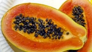 Die ausgeschabte Papaya