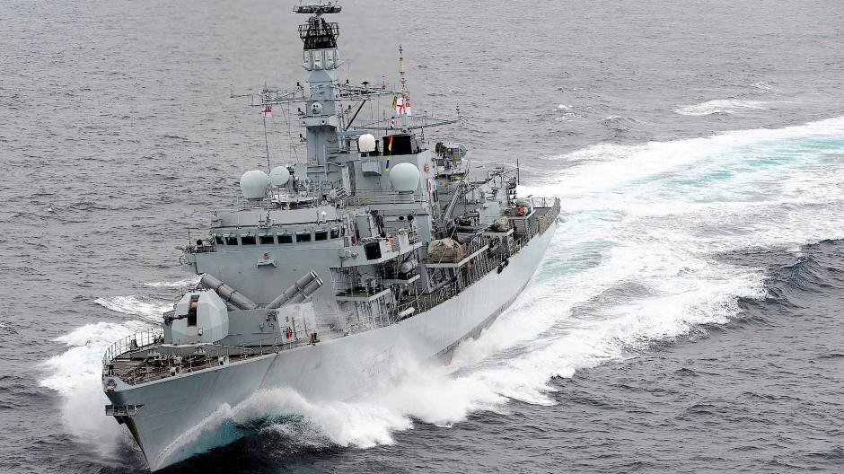 """Das britische Kriegsschiff """"HMS Montrose"""", hier bei einer Übung im Mittelmeer im Jahr 2012"""