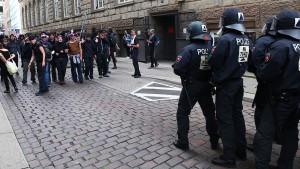 Gipfelgegner stürzen Hamburg ins Chaos