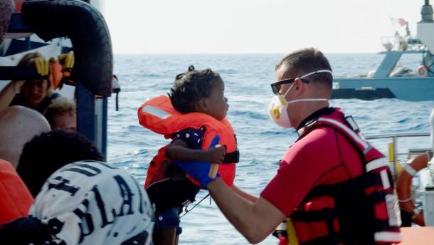 Malta lässt 40 Migranten an Land