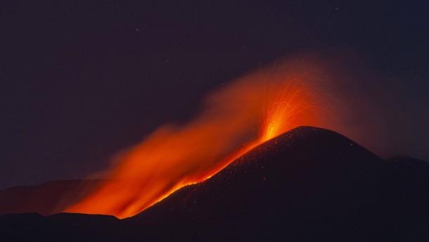Vulkan Ätna wieder ausgebrochen