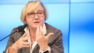 Die baden-württembergische Wissenschaftsministerin Theresia Bauer fordert eine schnelle Aufklärung des Bluttest-Skandals (Archiv).