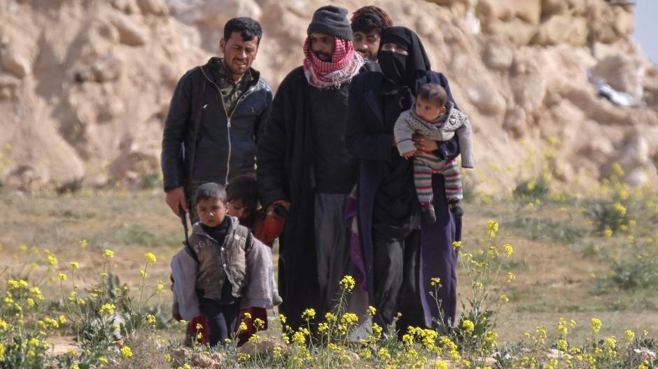 Fluchthelfer retten Zivilisten aus IS-Bastion