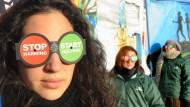 """""""Ganz neue Vorgehensweisen sind erforderlich, um die Menschheit auf Ziele auszurichten, die anstelle weiteren Wachstums auf Gleichgewichtszustände führen."""" Umweltaktivisten aus Spanien warten auf Taten."""