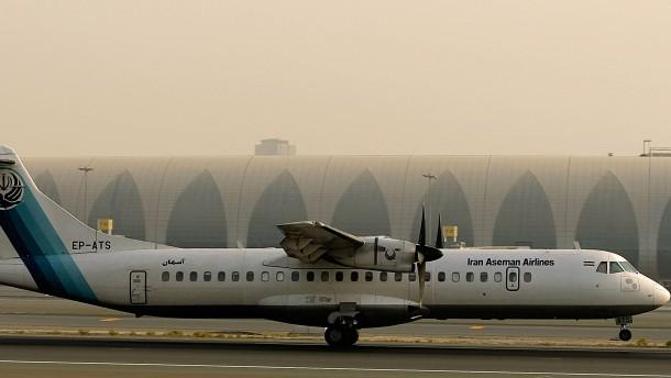 Iranisches Flugzeug stürzt ab