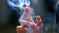 Mehr als Schall und Rauch: Auch die Tabakindustrie versucht ihre Interessen mit aller Macht durchzusetzen.