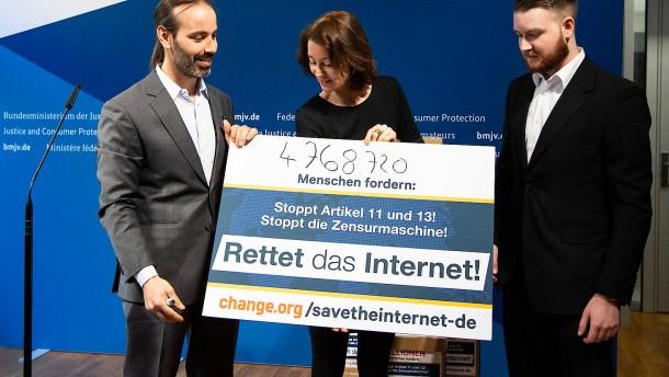 4,7 Millionen Menschen unterschreiben gegen EU-Urheberrechtsreform