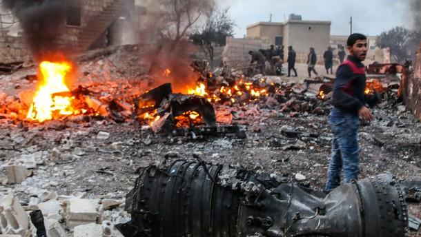 Rebellen schießen russisches Kampfflugzeug ab und töten Piloten