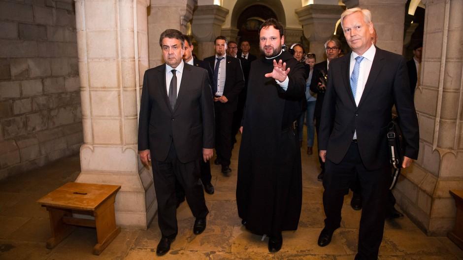 Extremisten sind Langweiler, sagt Pater Nikodemus Schnabel