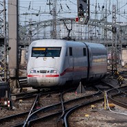 Infolge der Pandemie fahren die Züge der Deutschen Bahn oftmals nur mit wenigen Passagieren.