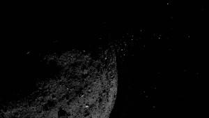 Warum der Asteroid Bennu Teilchen verliert