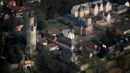 Im Zeichen des Turms: Die ältesten Teile der Friedberger Burg stammen aus der Mitte des zwölften Jahrhunderts.