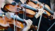 Üben, üben, üben: Wenn die Musikschule neben dem Arbeitsplatz liegt, helfen nicht einmal Ohropax gegen die hohen Töne.