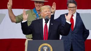 Trump erfindet Lob für eigenen Auftritt