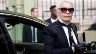 Lebt seit Jahren in Frankreich: Modedesigner Karl Lagerfeld
