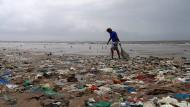 Freiwillige im Kampf gegen den Müll