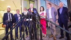 Union verkündet Durchbruch im Asylstreit - SPD zögert und meckert