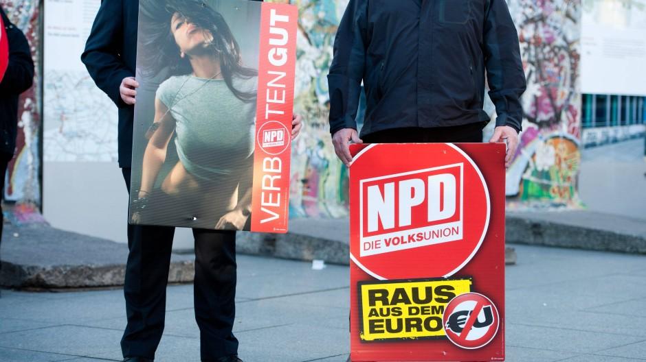 Der Verzicht auf V-Leute bei der NPD könnte ein Verbot noch schwerer machen