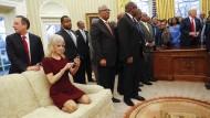 Bestellt und ignoriert: So brennend interessiert man sich im Oval Office unter Donald Trump offenbar für Gäste der amerikanischen Regierung.