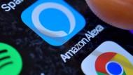 """Amazons """"Alexa"""" ermöglicht Sprachsteuerung im eigenen Zuhause. Das Programm speichert die Mitschnitte aber auch monatelang ab."""