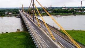 Zentrale A-40-Rheinbrücke bleibt noch tagelang gesperrt