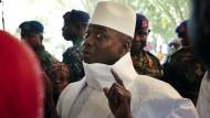 Gambias Präsident Yahya Jammeh will seinen Platz doch nicht räumen.