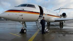Entwicklungsminister Müller sitzt nach Flugzeugschaden fest