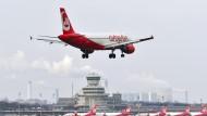 Air Berlin flog im vergangenen Jahr einen Rekordverlust von 782 Millionen Euro ein.